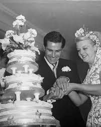 16 vintage celebrity wedding cakes you u0027ve probably never seen
