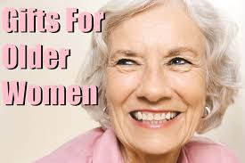 gifts for a woman 10 best gift options for women birthday inspire