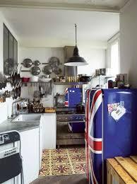 cuisine pop appartement parisien artistique familial