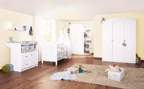 préparer la chambre de bébé comment préparer la chambre de bébé bambinou