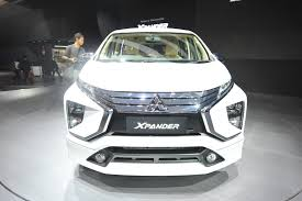 expander mitsubishi red nearly 6 000 bookings recorded for the mitsubishi xpander