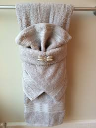 Decorate Bathroom Towels Best 25 Folding Bath Towels Ideas On Pinterest Folding Bathroom