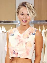 sweeting kaley cuoco new haircut kaley cuoco short hair celebrity hair changes people com