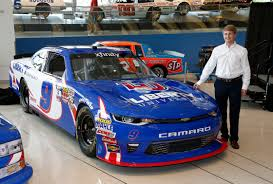 paint schemes byron s paint scheme paying tribute to ricky hendrick makes for
