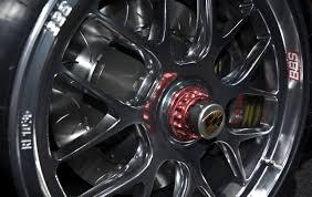 wheels porsche 911 gt3 file porsche 911 gt3 r hybrid wheel jpg wikimedia commons