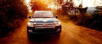 land cruiser 2017 the rugged and luxurious 2017 toyota land cruiser suv