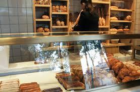 seconde de cuisine cyril lignac a ouvert sa seconde pâtisserie dans le 16è en cours de