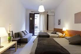 chambre d hote à barcelone hostal dragonflybcn chambres dhtes barcelone chambre d hote