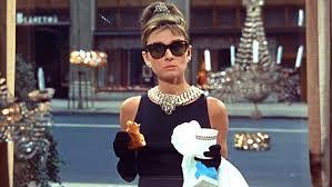 hepburn diamants sur canapé hepburn sa garde robe et des objets personnels aux enchères