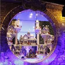 Christmas Window Decorations Lord And Taylor by Best Holiday Window Displays From Around The World Lifestyle