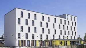 kritik an der schlichten architektur bahnhofshotel in hanau wie