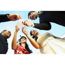 Wishing Bride And Groom The Best Wedding Etiquette On When To Say Congratulations Or Best Wishes