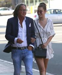 bella hadid photos photos bella hadid and her dad stop by a nail