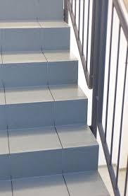fliesen treppen treppe fliesen stufenweise ans ziel