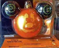amazon com disney mickey mouse halloween pumpkin ornament