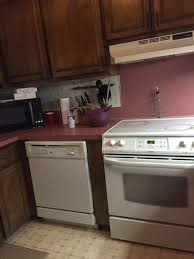 need help picking a paint color to match backsplash