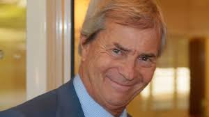 groupe bollor si ge social le groupe bolloré réclame 50 millions d euros à 2 l express