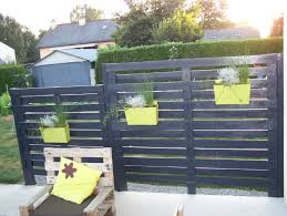 Pallet Garden Wall by Best 20 Pallet Privacy Fences Ideas On Pinterest Backyard