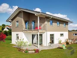 Haus Kaufen Holzhaus Ein Holzhaus Bauen Preise Anbieter Infos Fertighaus De
