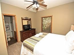 laurel lodge a 12 bedroom cabin in gatlinburg tennessee evening shadows king downstairs original