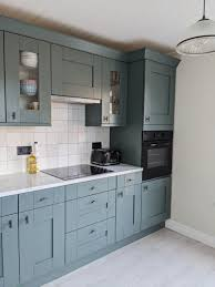 what color to paint kitchen cabinets in small space the best paint colours for a small kitchen inspiration
