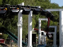 Six Flags Magic Mountain Fire Ninja Strikes Tree And Derails At Six Flags Magic Mountain