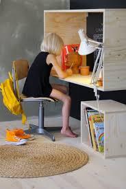 fabriquer bureau soi m e fabriquer un bureau en bois pour enfant hyper sympa bureau chambre