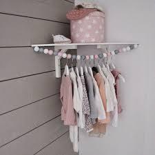 creer deco chambre bebe créer une mini penderie pour bébé vetement de bebe penderie et