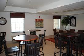 Roosevelt Lodge Dining Room Hotel Landmark Suites Williston Nd Booking Com