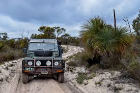 land rover desert little desert national park roaming the outback