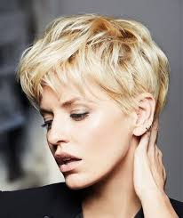 best hair cut for 50 plus women hart shape face the 25 best heart shaped face hairstyles ideas on pinterest