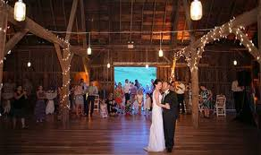 wedding venues wisconsin barn wisconsin wedding venue dog friendly