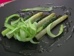 comment cuisiner des asperges fraiches salade aux asperges blanches recettes femme actuelle
