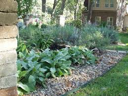 edging mulch u0026 drainage solutions des moines iowa landscaping
