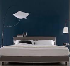 chambre bleu nuit peinture chambre bleu nuit et tête de lit taupe bedrooms