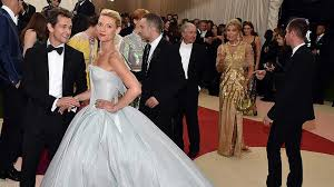 zac posen light up gown claire danes lights up the met gala in an illuminated ball gown grazia