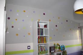 jeux de decoration de salon et de chambre decoration sur les murs décoration murale idée déco murs journal