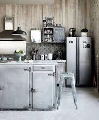 cuisine alu et bois carrelage imitation carreaux de ciment dans cuisine grise
