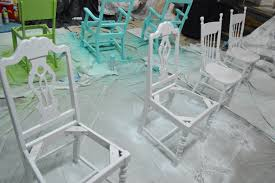 three cheers for painted chairs loving here