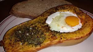 comment cuisiner une courge butternut butternut au four et œuf cocotte les délices de loulou