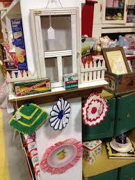 c dianne zweig kitsch u0027n stuff antique booth space ideas