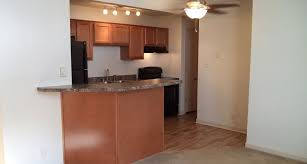 2 Bedroom Apartments In Bloomington Il by Apartments In Bloomington Il Arbors At Eastland