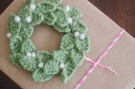 crochet christmas festive crochet christmas wreaths sewrella