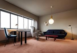 Examples Of Contemporary Vs Modern Design And Architecture - Contemporary vs modern interior design