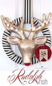 Diy Deer Christmas Decorations by 25 Best Homemade Christmas Decorations Ideas On Pinterest
