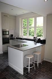 cuisine avec coin repas aménagement d une cuisine avec coin repas assis et bar architecte