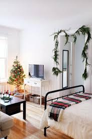 studio apartment furniture layout best 25 decorate studio apartments ideas on pinterest studio