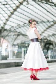 brautkleid mit g rtel rockabilly brautkleid in 7 8 länge mit petticoat noni
