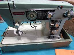 dressmaker heavy duty sewing machine model 950 b embroidery