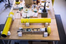 uw building underwater robots to study oceans around antarctica